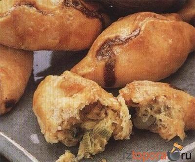 Пирожки с сыром и луком
