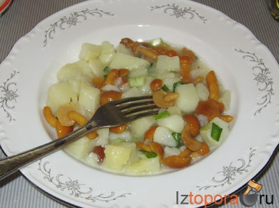 Картошка с маринованными грибами
