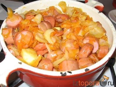 Тушеный картофель с сосисками