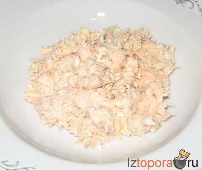 Салат из копченой горбуши