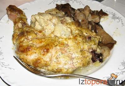 Куриные окорочка, запеченные в сметанном соусе