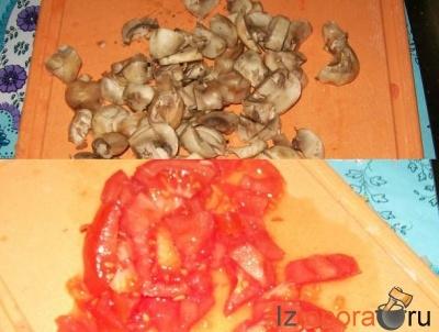 Красный борщ с грибами и тушенкой
