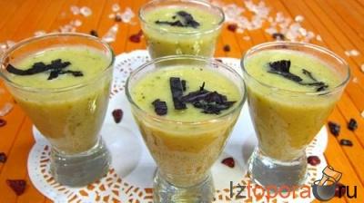 Легкая сливочная закуска с фасолью, кабачками и томатами
