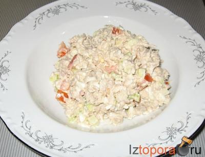 Салат из свинины с помидорами