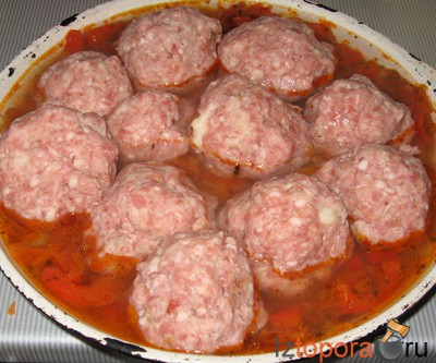 Тефтели под томатным соусом