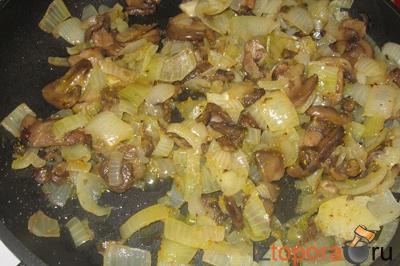 Перец, фаршированный говядиной и грибами