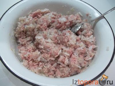 Фаршированный перец рисом и мясом
